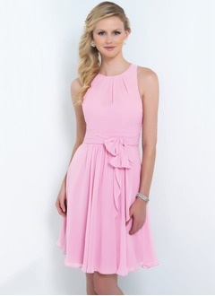 A-Line/Princess Scoop Neck Short/Mini Chiffon Bridesmaid Dress With Ruffle Sash