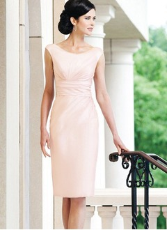Sheath/Column Scoop Neck Knee-Length Tulle Mother of the Bride Dress