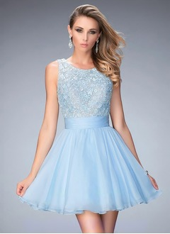 A-Line/Princess Scoop Neck Short/Mini Organza Prom Dress With Appliques Lace