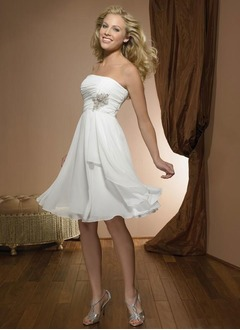 A-Line/Princess Strapless Knee-Length Chiffon Wedding Dress With Ruffle Beading Appliques Lace Sequins