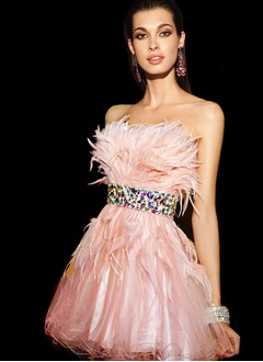 A-Line/Princess Strapless Short/Mini Tulle Feather Homecoming Dress With Beading