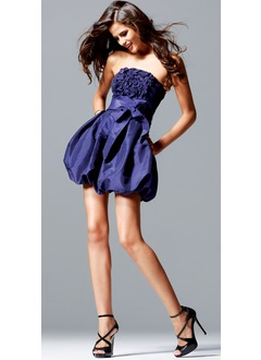 A-Line/Princess Strapless Short/Mini Taffeta Homecoming Dress With Sash