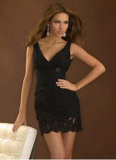 Sheath/Column V-neck Short/Mini Chiffon Cocktail Dress With Ruffle Lace Beading