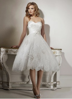 A-Line/Princess Strapless Sweetheart Knee-Length Organza Satin Wedding Dress With Ruffle Lace Beading