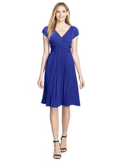 Sheath/Column V-neck Knee-Length Chiffon Cocktail Dress With Pleated