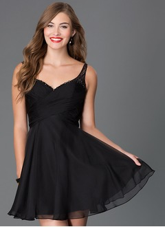 A-Line/Princess V-neck Short/Mini Chiffon Homecoming Dress With Ruffle Beading
