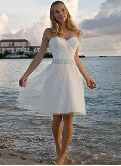 A-Line/Princess Strapless Sweetheart Knee-Length Chiffon Wedding Dress With Ruffle Beading Sequins