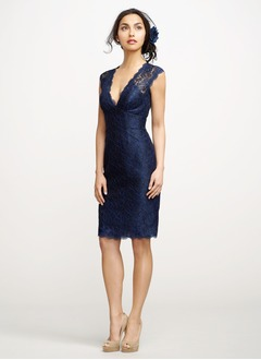 Sheath/Column V-neck Knee-Length Lace Cocktail Dress (0165058927)