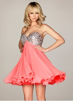 Empire Strapless Sweetheart Knee-Length Chiffon Prom Dress With Beading