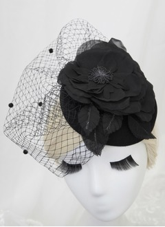 Prachtige Tule Fascinators
