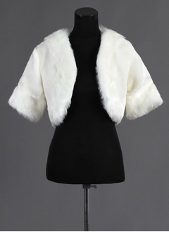 Half-Sleeve Faux Fur Wedding Wrap (01305017424)