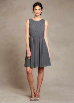 A-Line/Princess Scoop Neck Knee-Length Chiffon Cocktail Dress With Ruffle