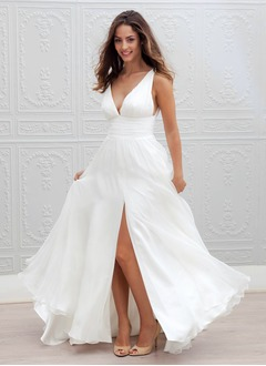 A-Line/Princess V-neck Sweep Train Tulle Wedding Dress With Ruffle Split Front