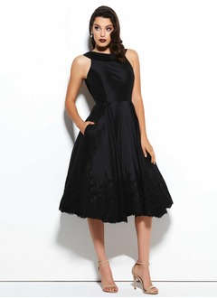 A-Line/Princess Scoop Neck Knee-Length Charmeuse Cocktail Dress With Ruffle Lace Beading