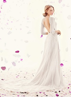 A-Line/Princess Scoop Neck Chapel Train Tulle Wedding Dress With Appliques Lace