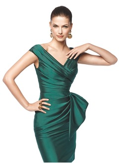 Sheath/Column V-neck Knee-Length Satin Evening Dress With Ruffle