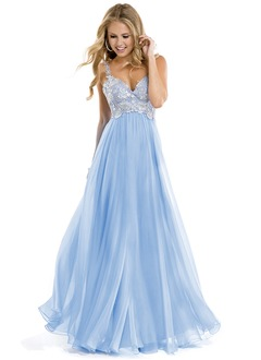 A-Line/Princess Sweetheart Floor-Length Chiffon Prom Dress With Appliques Lace