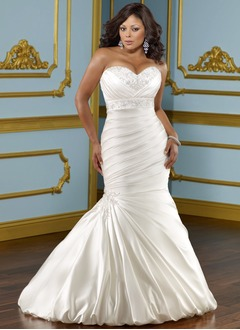 Trumpet/Mermaid Strapless Sweetheart Chapel Train Satin Wedding Dress With Ruffle Beading