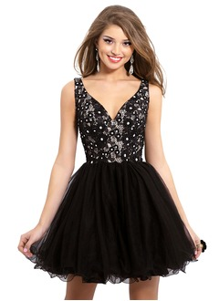 A-Line/Princess V-neck Short/Mini Tulle Lace Prom Dress With Beading