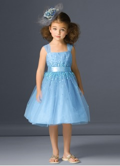 A-Line/Princess Knee-Length Satin Tulle Flower Girl Dress With Ruffle Sequins