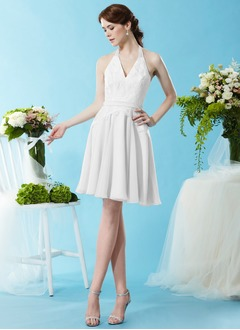 A-Line/Princess Halter Knee-Length Chiffon Bridesmaid Dress With Lace
