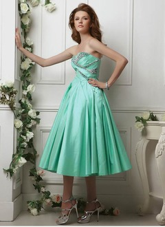 A-Line/Princess Strapless Tea-Length Taffeta Prom Dress With Ruffle Beading