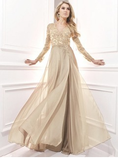 A-Line/Princess V-neck Sweep Train Chiffon Prom Dress With Beading Appliques Lace