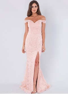 Trumpet/Mermaid Off-the-Shoulder Sweep Train Lace Prom Dress With Lace Split Front