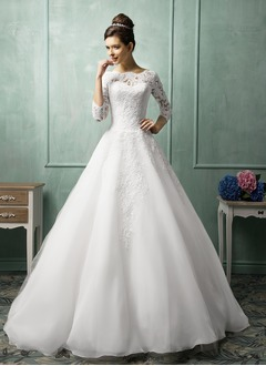 A-Line/Princess Scoop Neck Chapel Train Organza Lace Wedding Dress