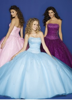 Ball-Gown Strapless Floor-Length Tulle Prom Dress With Beading