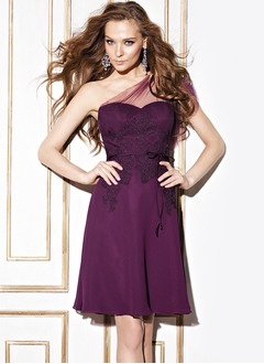 Empire Sweetheart Knee-Length Chiffon Lace Bridesmaid Dress