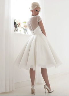 Ball-Gown Scoop Neck Knee-Length Tulle Wedding Dress With Lace