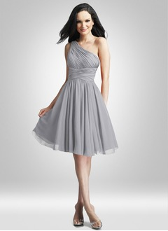 A-Line/Princess One-Shoulder Knee-Length Chiffon Charmeuse Cocktail Dress With Ruffle