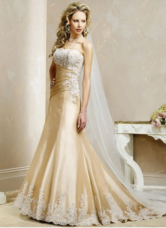 Trumpet/Mermaid Strapless Chapel Train Taffeta Wedding Dress With Ruffle Appliques Lace