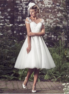 A-Line/Princess Scoop Neck Knee-Length Organza Satin Tulle Wedding Dress With Appliques Lace