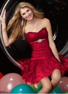 Sheath/Column Sweetheart Short/Mini Tulle Homecoming Dress With Beading Cascading Ruffles