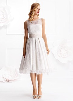 A-Line/Princess Scoop Neck Knee-Length Lace Wedding Dress With Beading