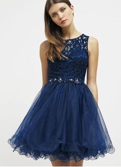 A-Line/Princess Scoop Neck Short/Mini Tulle Lace Homecoming Dress With Beading (0225106728)