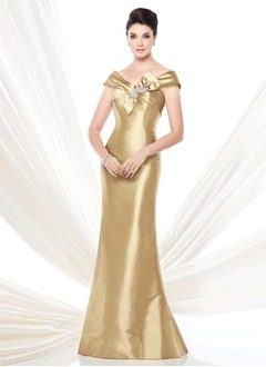 Trumpet/Mermaid Off-the-Shoulder Sweep Train Taffeta Mother of the Bride Dress With Beading Bow(s)