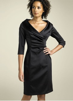 Sheath/Column V-neck Knee-Length Satin  ...