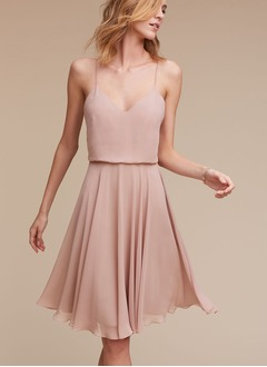 A-Line/Princess V-neck Knee-Length Chiffon Bridesmaid Dress With Ruffle (0075121263)