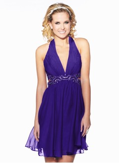 A-Line/Princess Halter V-neck Short/Mini Chiffon Homecoming Dress With Ruffle Beading
