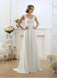 Empire Sweetheart Sweep Train Chiffon Wedding Dress With Appliques Lace