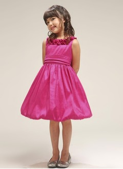 A-Line/Princess Scoop Neck Knee-Length Taffeta Flower Girl Dress With Ruffle
