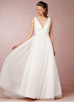 A-Line/Princess V-neck Sweep Train Tulle Wedding Dress With Ruffle Lace
