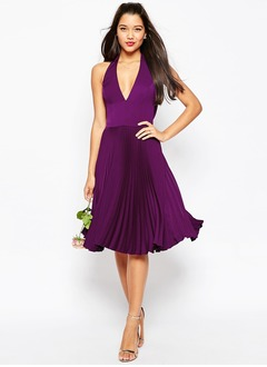 A-Line/Princess Halter V-neck Knee-Length Satin Chiffon Bridesmaid Dress With Ruffle
