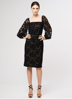 Sheath/Column Square Neckline Knee-Length Lace Cocktail Dress