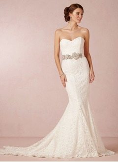Trumpet/Mermaid Strapless Sweetheart Court Train Lace Wedding Dress