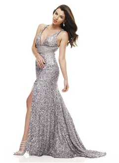 Trumpet/Mermaid V-neck Court Train Sequined Evening Dress With Split Front