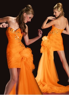 Sheath/Column Strapless Sweetheart Short/Mini Taffeta Organza Prom Dress With Ruffle Beading Sequins